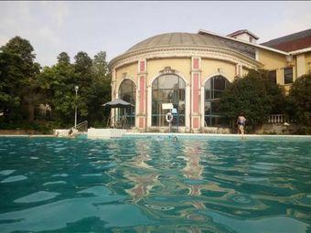 成都后花园游泳健身