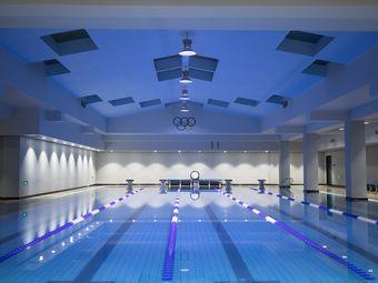雷雷游泳俱乐部
