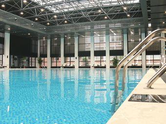 普瑞酒店游泳馆
