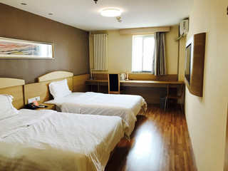 7天连锁酒店(天津火车站后广场新开路未来广场店)